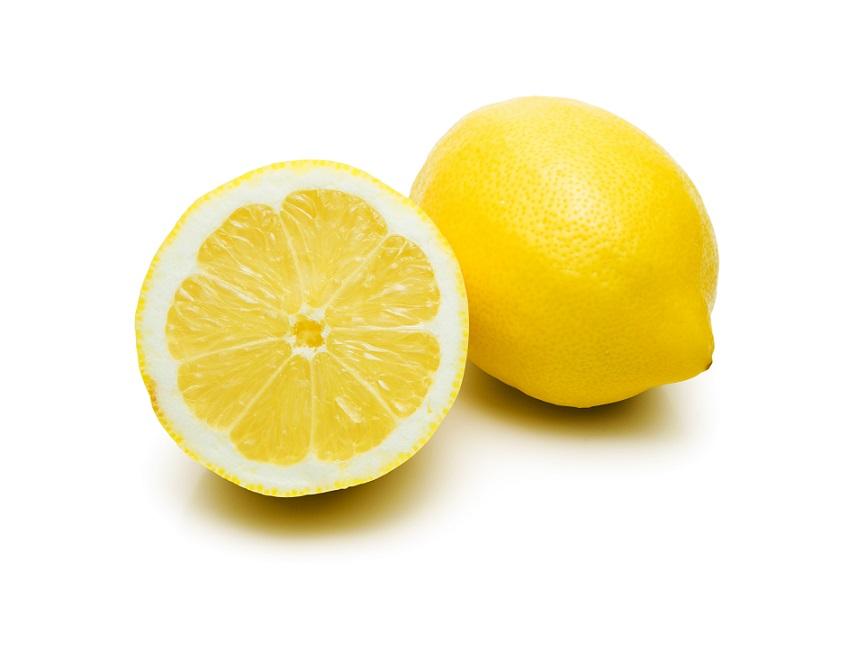Zitronen erfrischen nicht nur, sondern helfen ebenfalls bei Mückenstiche