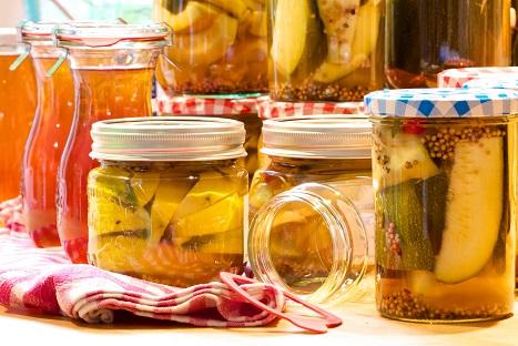 Eingewecktes: Ist nichts anders asl Nahrungsmittel haltbar gemacht, konserviert: