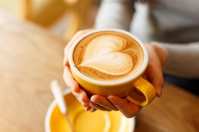 Die Zubereitung von einem perfekten Cappuccino beginnt bereits bei der Auswahl der Zutaten. (#01)