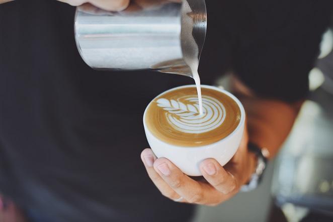 Der Cappuccino ist sehr beliebt und das nicht nur direkt in Italien, sondern auch in anderen Ländern. Sein Siegeszug lässt sich kaum aufhalten. (#04)Der Cappuccino ist sehr beliebt und das nicht nur direkt in Italien, sondern auch in anderen Ländern. Sein Siegeszug lässt sich kaum aufhalten. (#04)