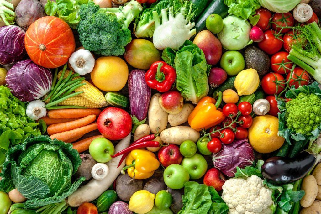 Keine Infografik, jedoch ein schöner Appetizer ist dieses Foto für alle Diätverweigerer. Das Prinzip der Apfelessig-Diät ist die Ergänzung der normalen Ernährung. Dennoch gilt: eine bewusst gesunde Ernährung verstärkt die Wirkung der Apfelessigdiät. (#2)