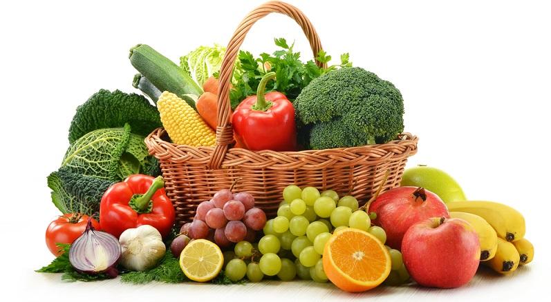 Die Empfehlung, einen Apfel täglich zu essen, hat Tradition. Die Ernährung kann die Abwehrkräfte tatsächlich stärken. (#03)