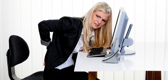 Sitzen ist das neue Rauchen: Ungesunde Schreibtischarbeiten