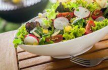 Leckere Sommersalate: Gesund, erfrischend & geschmackvoll