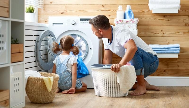 Welche Kapazität die neue Waschmaschine haben soll, hängt entscheidend von der Haushaltsgröße ab und wird an der Füllmenge gemessen.