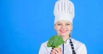 Brokkoli zubereiten in der Pfanne