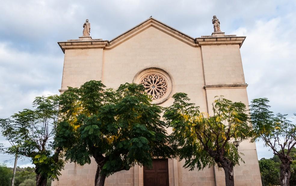 Die Kirche Esglesia D'es Carritxó in Felanitx: eine der vielen Sehenswürdigkeiten nahe dem Glückshotel Mallorca, bei Calas de Mallorca gelegen. (#1)