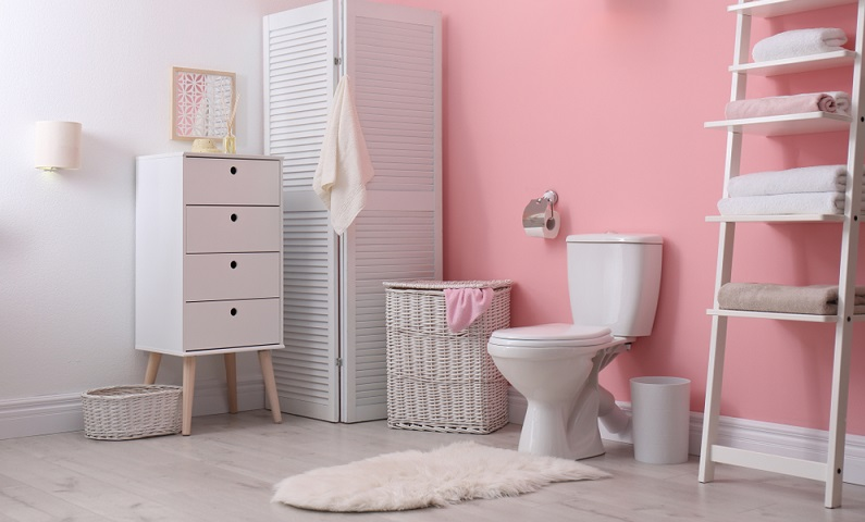 Badteppiche peppen die Badezimmer mit ihren Farben und Formen auf ( Foto: Shutterstock-New Afrika )